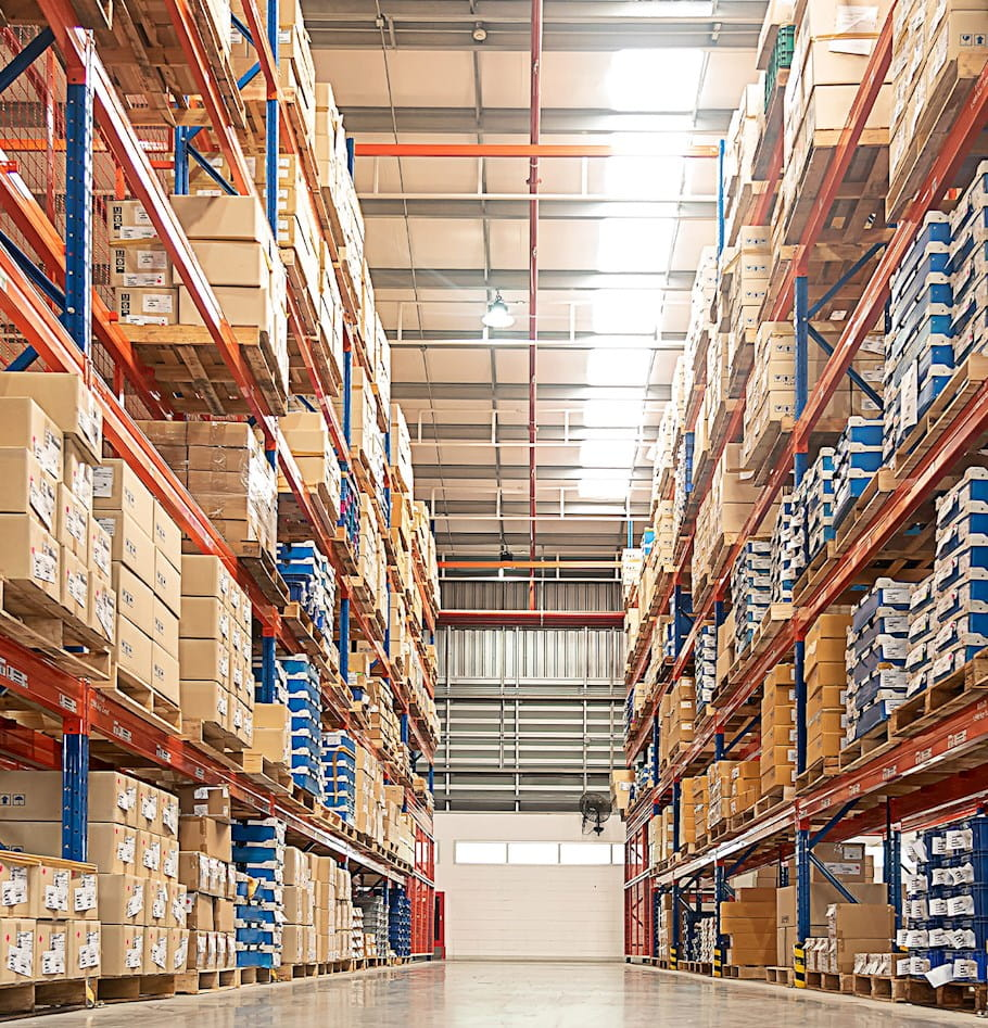 7 Tips to Equip Your Distribution Center Managers to Lead for Maximum Productivity